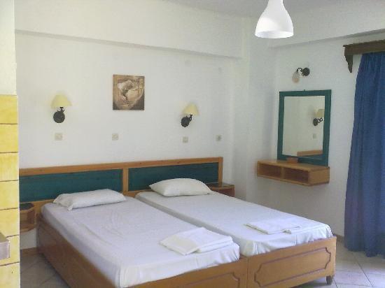 Koulouris Beach Hotel: room on arrival