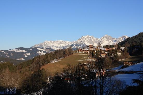 Sport- Wellnesshotel Bichlhof: Blick vom Hotel in Richtung Wilder Kaiser
