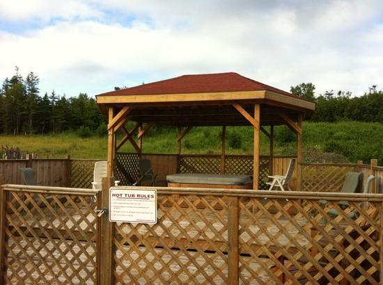 Fisherman's Landing Inn : hot tub