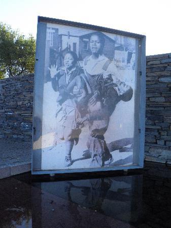 Pretvan Tours: Apartheid museum Soweto