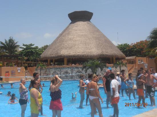 Viva Wyndham Azteca : la piscine