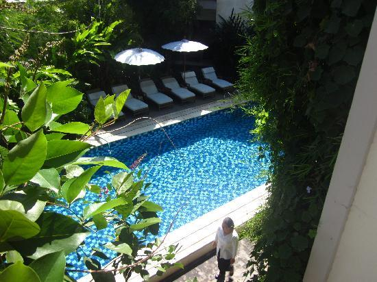 Pondok  Sari Kuta: Top floor view of pool