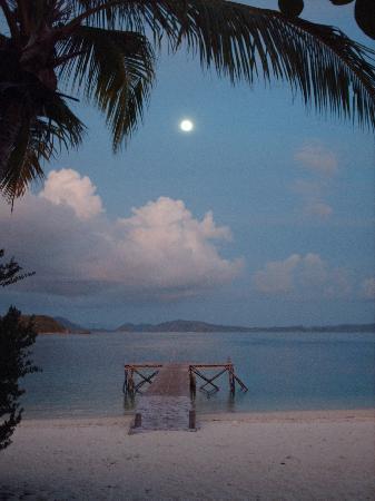 Mangenguey Island: Full Moon over Mangenguey