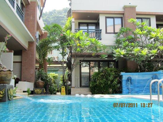 P. P. Palm Tree Resort: Heavenly water