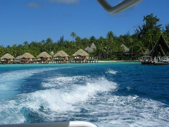 Bora Bora Pearl Beach Resort & Spa: vista dal mare