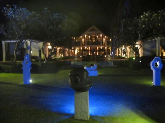 Villa Ylang Ylang: by night