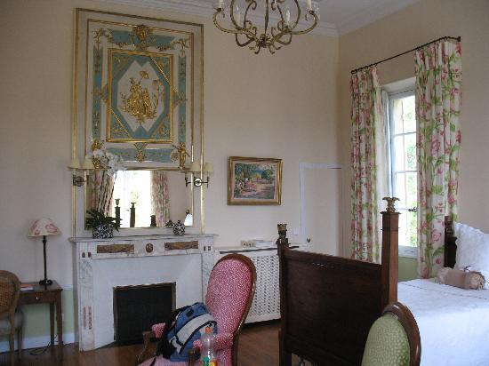 Chateau du Martinet : Rosalie - spacious twin bedroom