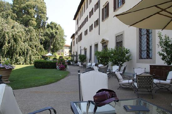 Four Seasons Hotel Firenze: Main building, terrace