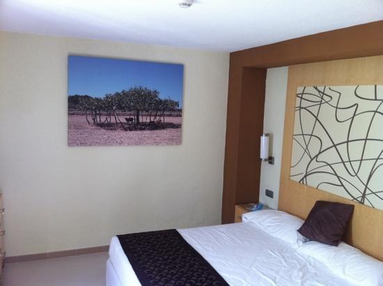Hotel Riu La Mola : Dormitorio bungalow
