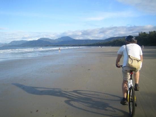 Four Mile Beach: riding along 4 mile beach