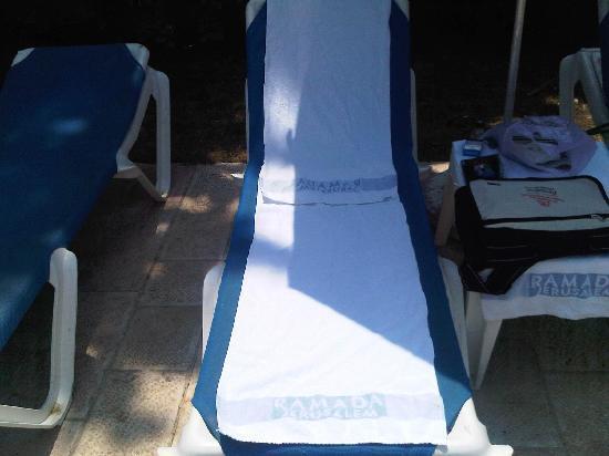 Ramada Jerusalem : Pool towels