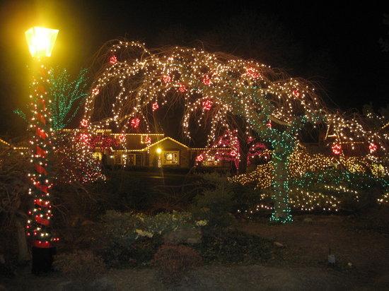 Peddler's Village: Lights at Christmastime - Lights At Christmastime - Picture Of Peddler's Village, Lahaska