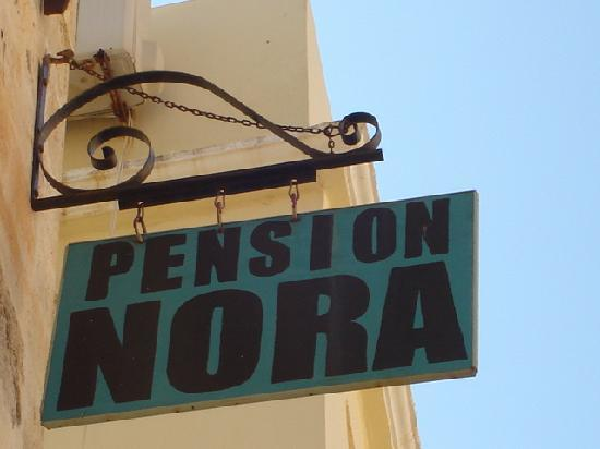 Pension Nora: Sign
