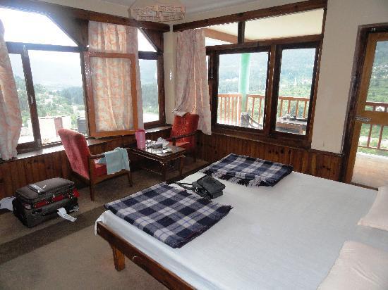 Hotel Bhrigu: inside the room