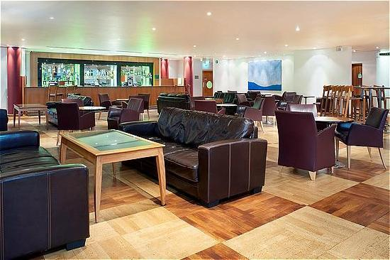 Holiday Inn - Coventry M6, Junction 2: Bar lounge area