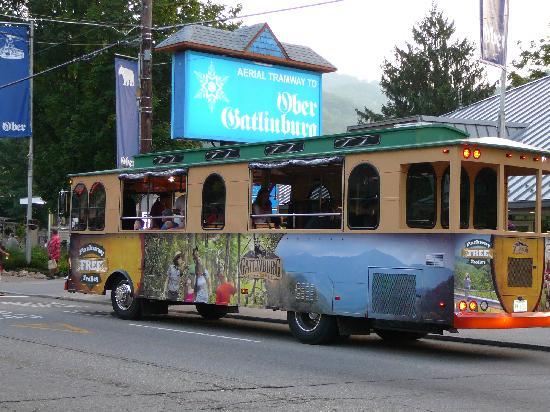 Gatlinburg Trolley: The FREE summer Gatlinburg Parkway Trolley 2011