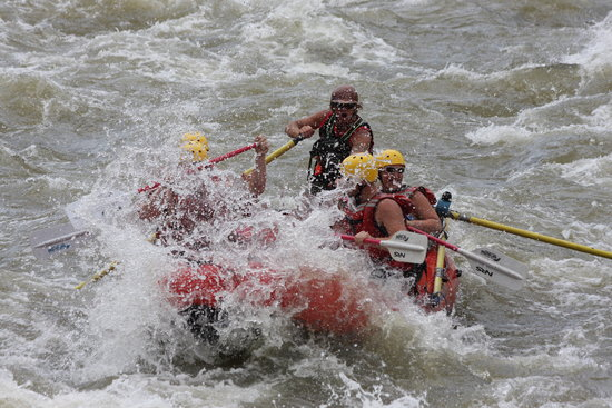Raft Masters : With more waves to follow