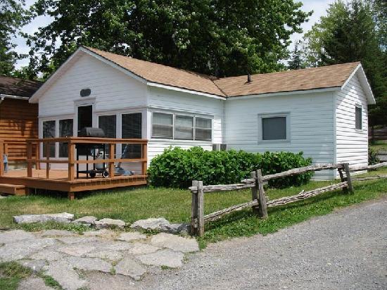 Merland Park Cottages: Cottage #3