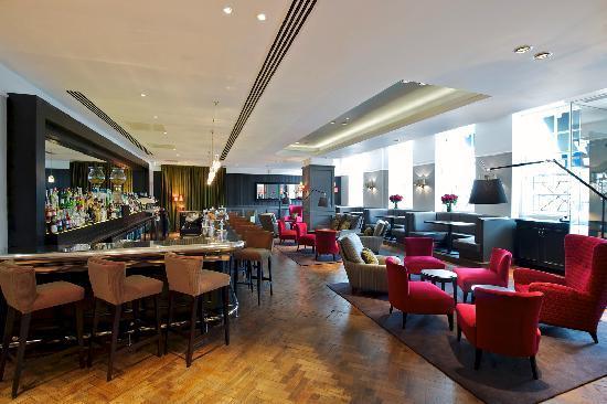 London Bridge Hotel: Quarter Bar and Lounge
