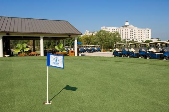 The Golf Club at Ballantyne: The Golf Pavilion at Ballantyne Hotel Charlotte NC