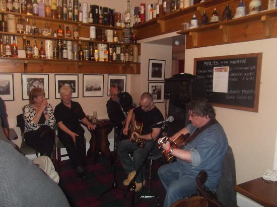 The Old Rectory Inn: Live music with pure malt every Wednesday