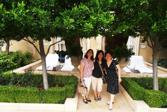 Las Vegas North Premium Outlets: with my friends