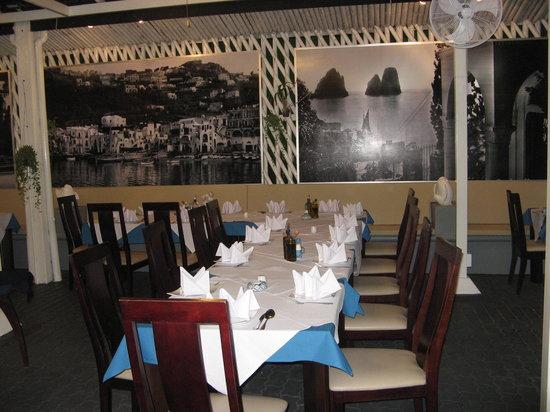La Piazzetta di Capri Patong: la tavola  per il compleanno che abbiamo festeggiato qui!