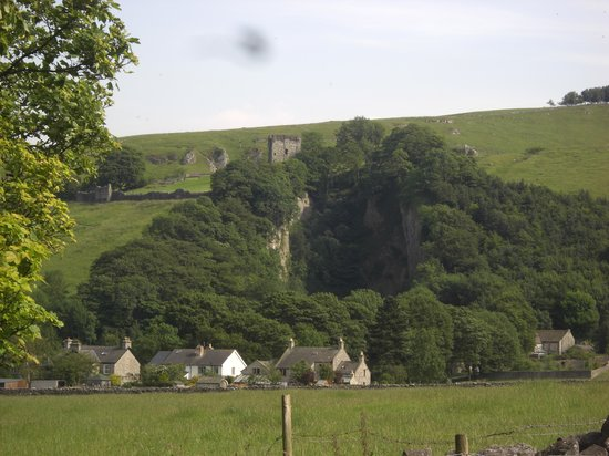 Peveril Castle: View of Peveril from the Village
