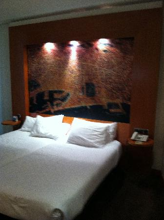 Abba Sants Hotel : bed