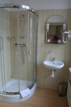 Hotel Maksymilian: Bathroom