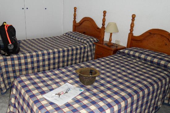 Comodoro Apartments: Twin Bed's