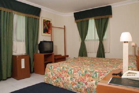 Le Baron Hotel : Room