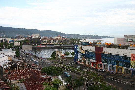Manado Quality Hotel: Out the room window