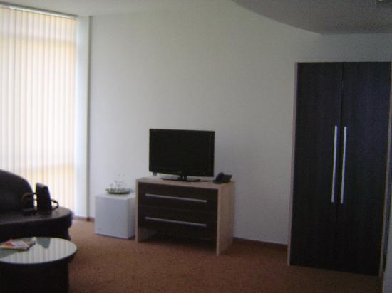 Noris Hotel: Another view of the room