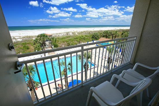 Holiday Isle Oceanfront Resort: Oceanfront Balcony