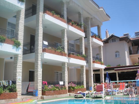 Photo of Ozlem 1 Apartments Icmeler