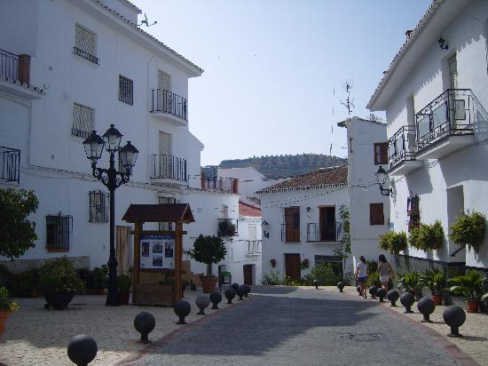 Plaza Fotograf A De Algarrobo Costa Del Sol Tripadvisor