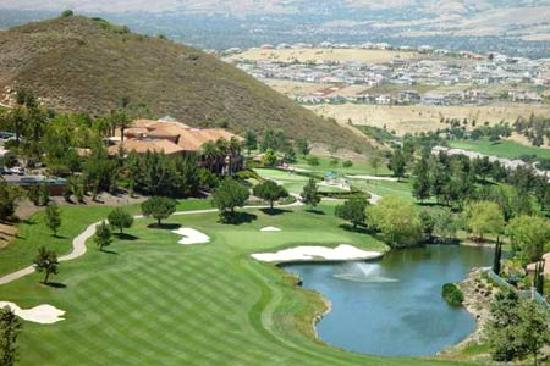 Radisson Hotel Phoenix / Chandler: Multiple course choices within 5 mile radius!