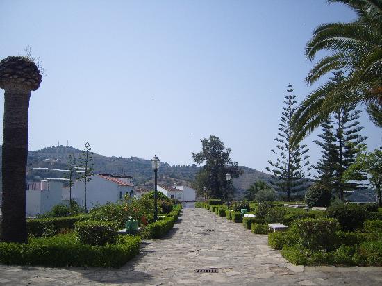 Algarrobo, Spain: gardens