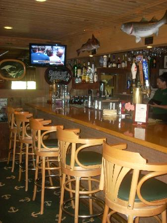 The Whitman House: The bar is comfortable and friendly