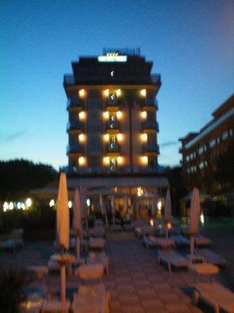 Park Hotel Brasilia: Hotel am Abend