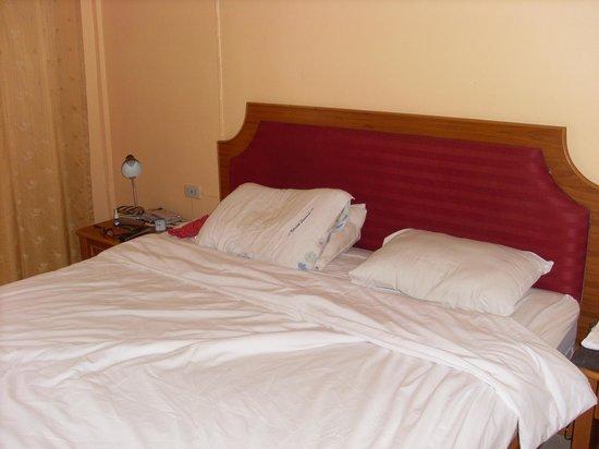 Rico's Bungalows: Underbara sängar,inga hårda kuddar.
