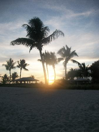 Tropical Cottages: Sunset on Sombero Beach