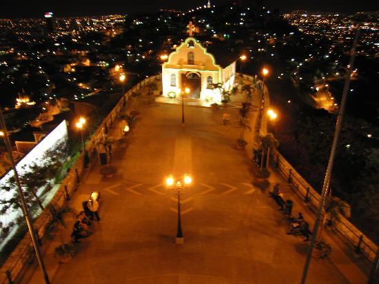 Guayaquil, Ekvador: Church at top of Cerro del Carmen