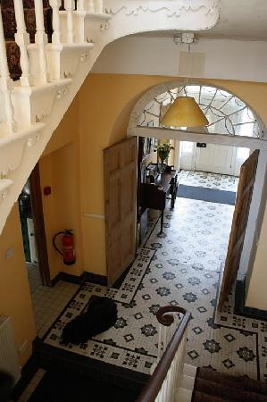Kilbrogan House: Front hall