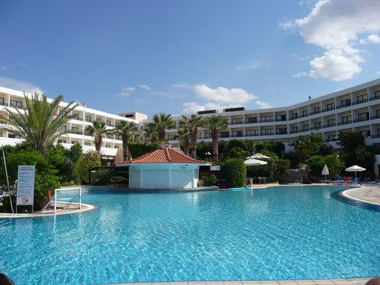 Avanti Hotel: Pool