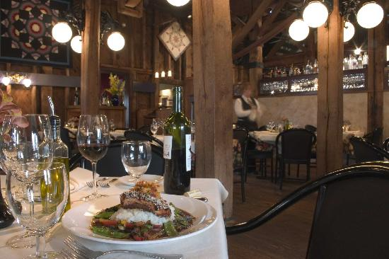 Leesburg, Wirginia: Tuscarora Mill - one of 9 destination restaurants in Loudoun.