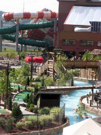 Wilderness at the Smokies Resort: Looking across the lazy river towards the indoor dome