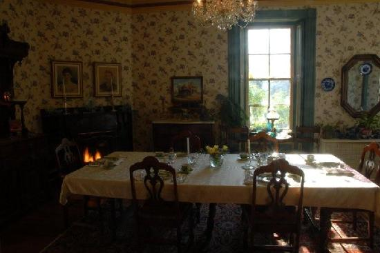Elmwood Heritage Inn: Dining Room