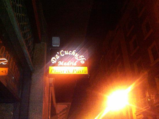 Da Cuchuffo Madrid: the Front sign